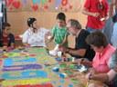 Los chicos y chicas de Aspros comparten risas y diversión con los niños de Verano de Juego