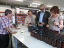 Félix Larrosa visita las instalaciones de la Asociación La Antorcha en la Caparrella