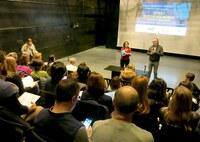 Jornada formativa sobre los jóvenes y los dispositivos móviles para profesionales educativos y sociales