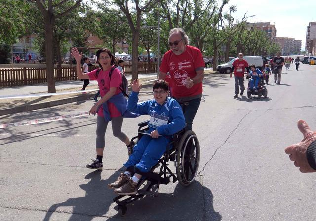 La festa inclusiva de la 35a Cursa Balàfia-Aremi aplega uns 2.000 participants entre totes les propostes i corona coma guanyadors Antoni Carulla i Raquel Marqués