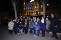 Llums blaus i grocs a la façana de la Paeria i els ponts pel Dia Mundial de la Síndrome de Down